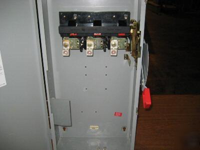 Ge general electric TH3364 disconnect switch 200 amp