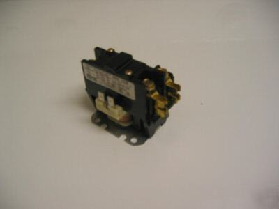New magnetic definite purpose contactor/relay 1P 40AMP