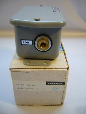 Omega wet/wet low differential pressure transmitter