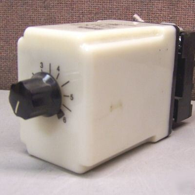 Potter & brumfield cb-1005B-70 time delay relay w/ base