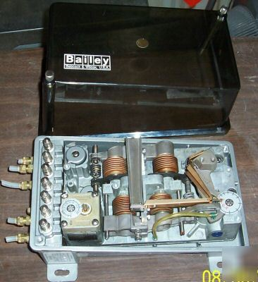 Bailey type FC210 pneumatic computer/controller