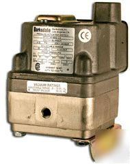 New barksdale pressure differential switch DPD1T-A150