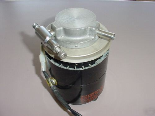 Universal electric co. motor with vacuum cap