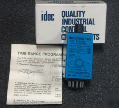 New idec electronic timers rte P22 in box
