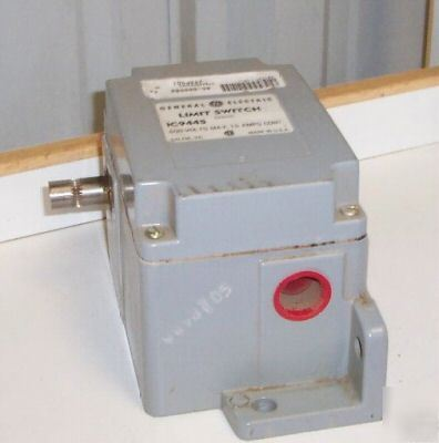 General electric IC9445A200AC limit switch