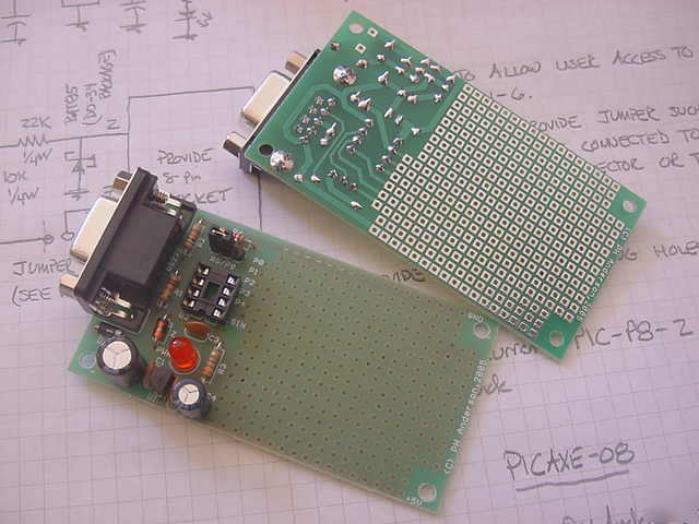 Prototyping board for a picaxe-08 and 08M