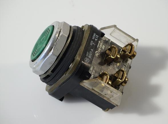 Allen bradley 800T-a ser.t green pushbutton