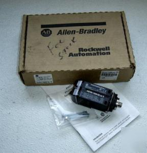 New in box allen bradley photoswitch 42GTGU-10000-qd