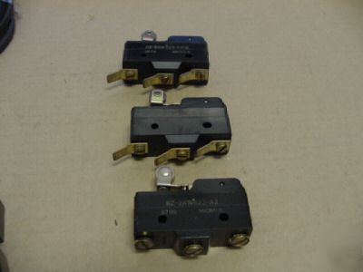 New micro switch bz-2RW822-D612 qty (3) no box >