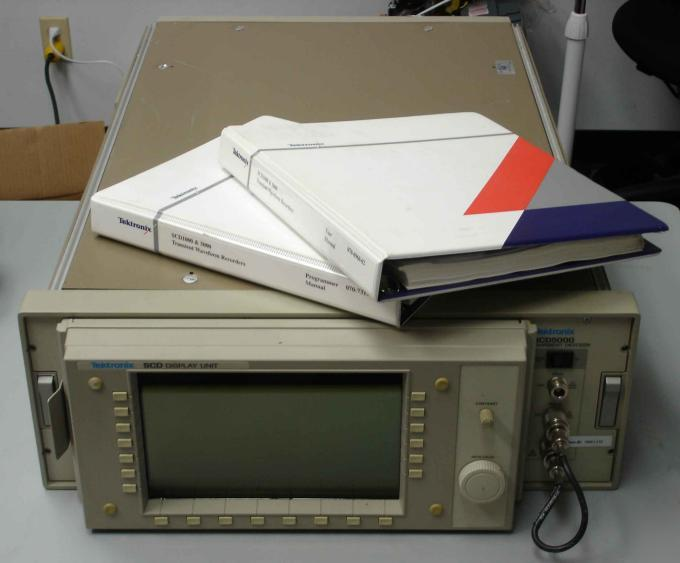 Tektronix SCD5000 transient digitizer opt: 01 1P