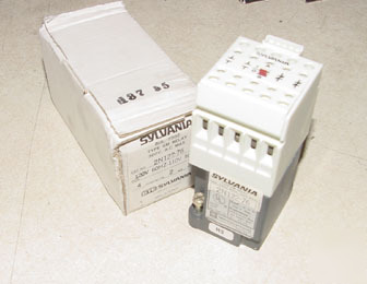 New sylvania 4 pole relay 2N122-76 120V coil in box
