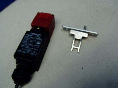 Omron limit switch m/n: D4DS-25FS w/ door key - used