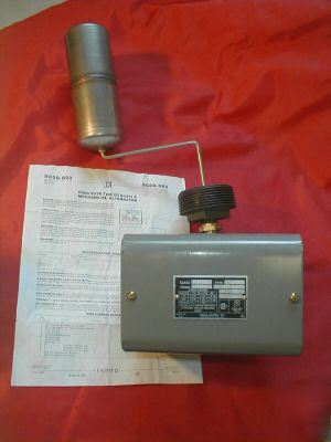 Square d 9038CG36 mechanical float switch 575VAC 1HP