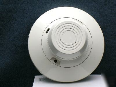 Honeywell TC805C ionization plug-in smoke detectors