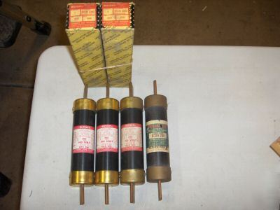 Lot of econ & reliance dual-element 200 amp fuses qty 4