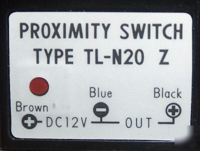 Omron tl-N20 z proximity switch 12 vdc 20MM distance