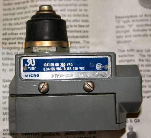 Microswitch limit switch plunger type 250V DTE6-2RN