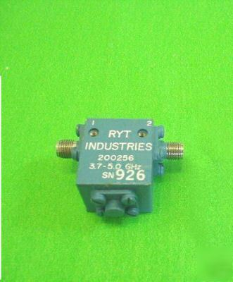 Ryt 200256 isolator 3.7-5.0GHZ 20 db, sma