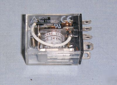Omron LY2-0-DC24 24 vac 8 pin relay grainger 5ZH41