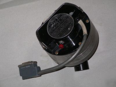 Instron load cell. cat # 2512-103 100 # capacity