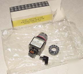 New allen bradley 800MR-U20H potentiometer in box
